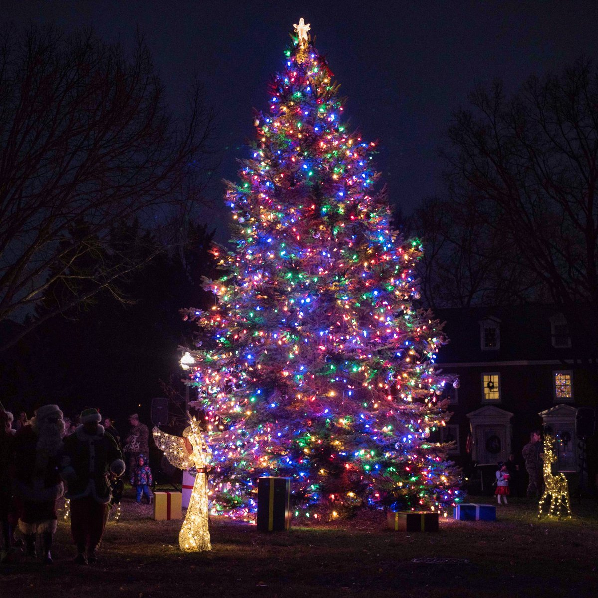 ... Lighting Ceremony outside Brucker Hall Joint Base Myer-Henderson Hall Va. Along with the tree lighting ceremony a holiday sing-a-long was held by the ...  sc 1 st  Twitter & The Old Guard on Twitter: