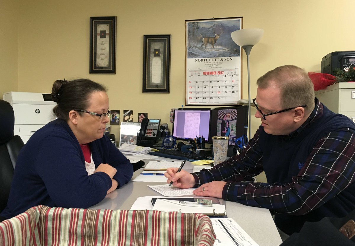Kim Davis wouldn't issue a marriage license to David Ermold and his partner two years ago.  So yesterday he filed papers to run for her job as Rowan County Clerk in Kentucky. 👇