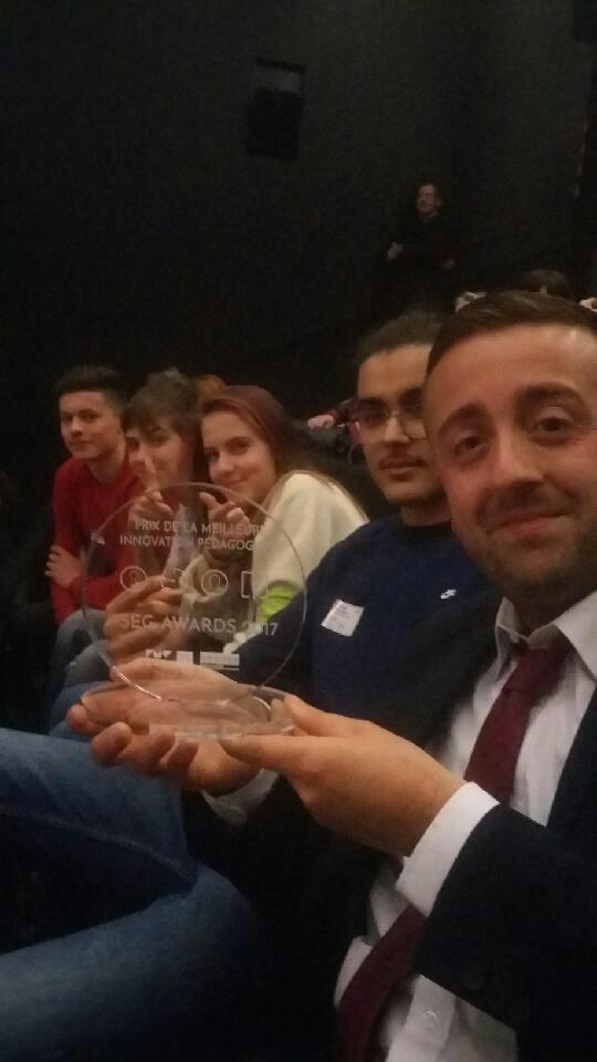 Award de l'innovation pédagogique #seg2017 pour l'escape Game El Dorado! Très fier de mes élèves ! Merci à eux et au jury !  pic.twitter.com/9AXZZUO9Xa