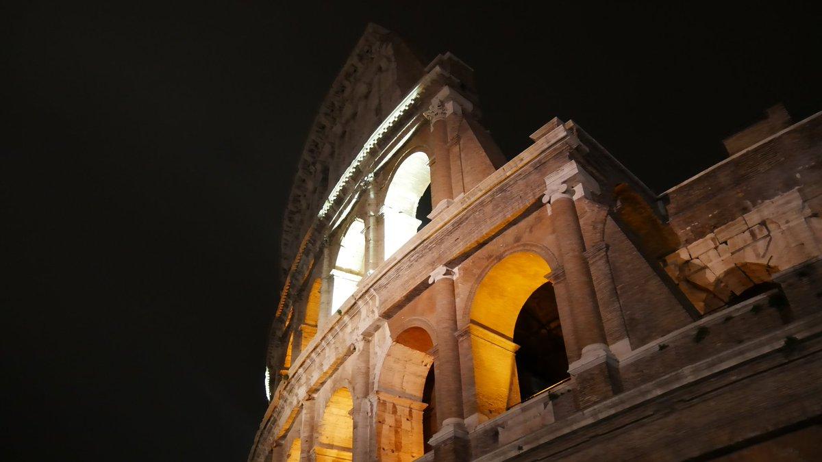 #RomeIsUs #Roma #Colosseo  #prospettive...