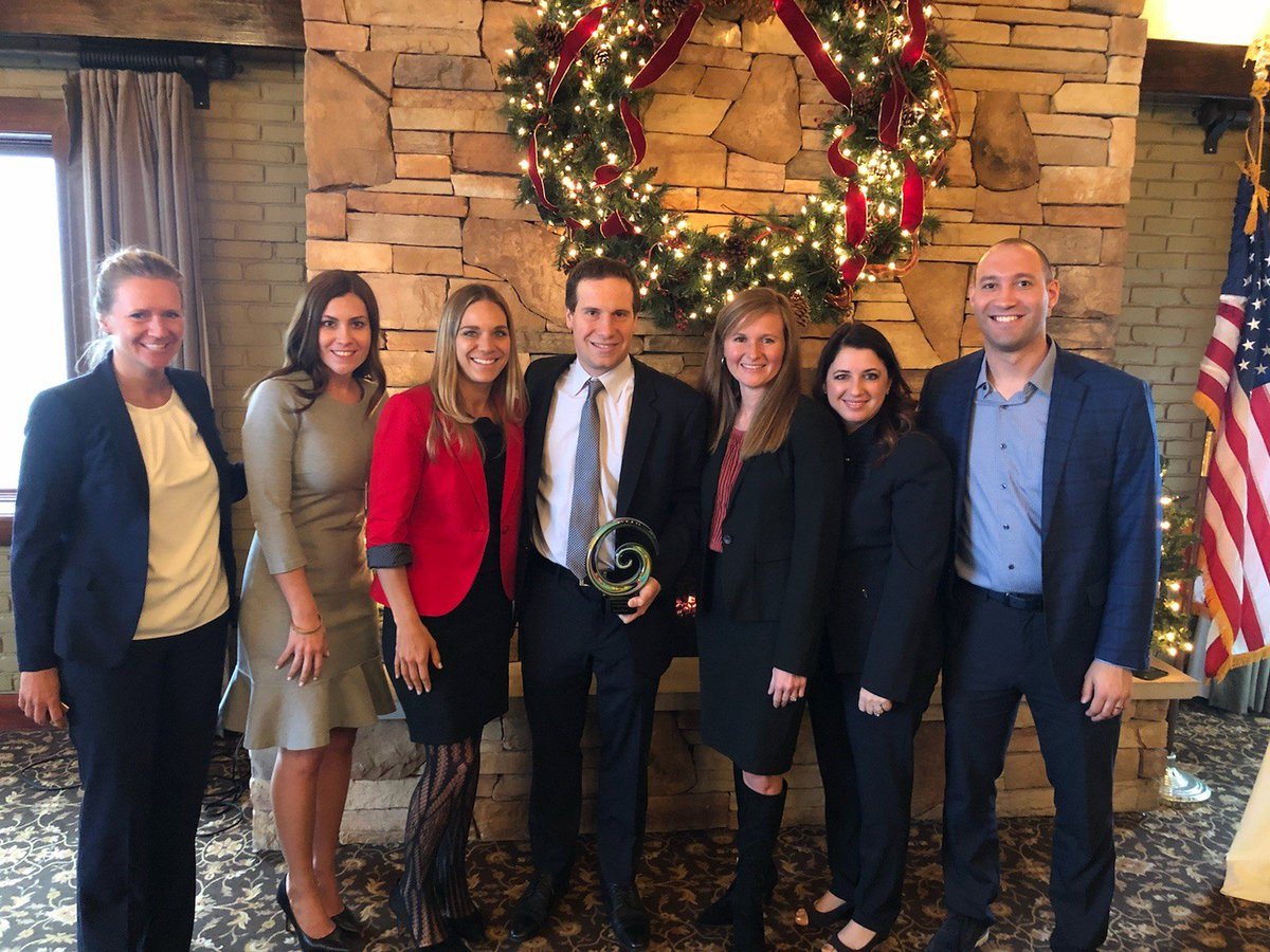 Mat Ishbia On Twitter It Was Awesome To Receive The Bbchamber S Thrive Award This Morning Along With Some Of Our Great Unitedshore Leaders Awesome People Make Awesome Companies I M Fortunate To