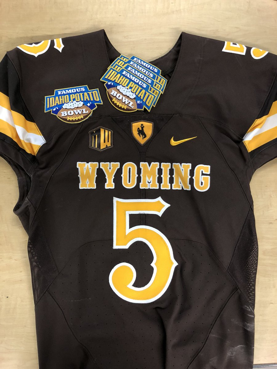 brand new 0c31a 10214 Wyoming Football Equipment on Twitter: