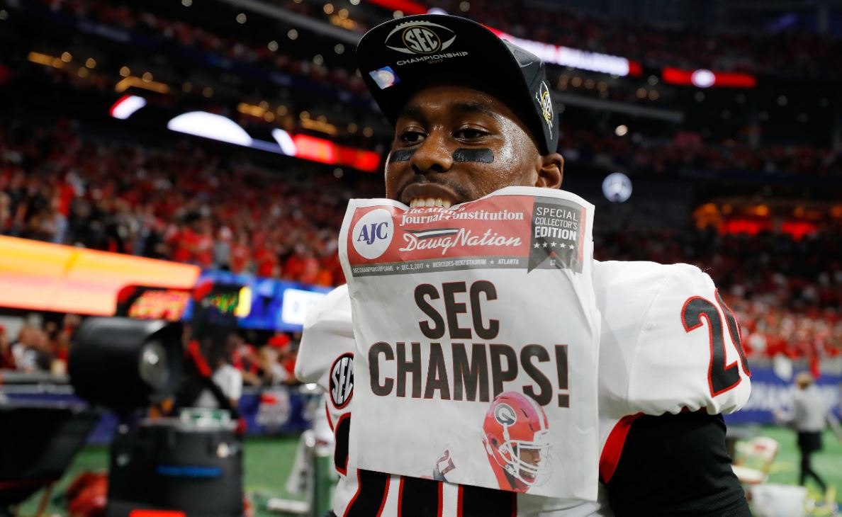 Last year at this time, the Georgia Bulldogs were 7-5 & preparing for the Liberty Bowl...  Now, this year, UGA is just one win away from playing for the  Nat#CFBPlayoffional Championship!  What a difference a year makes - https://t.co/DoTHTQWj1a