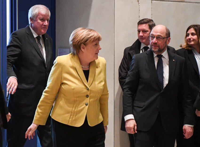 Gespräche über mögliche GroKo: Union und SPD treffen sich offenbar am Mittwoch https://t.co/cp7TWFAdSD