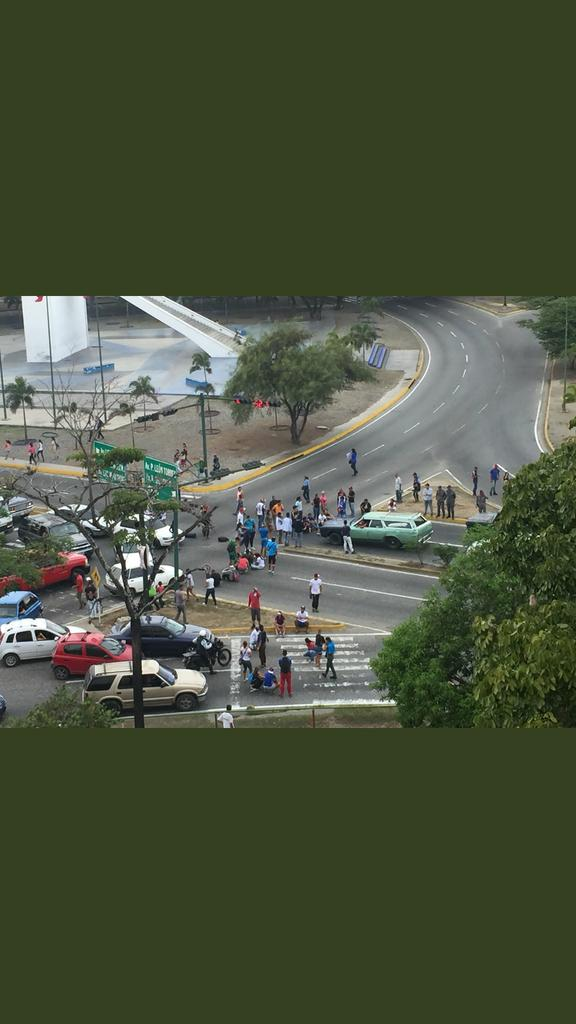 Hoy #7D TRANCADO el obelisco de #Barquis...