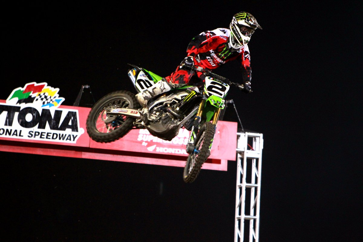 #tbt to @ryan_villopoto2 winning the #DAYTONASX in 2011!