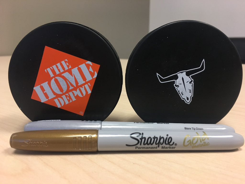 @HomeDepotCanada will be at the game tomorrow selling autographed pucks. All $ goes to the Boys &amp; Girls Club of Red Deer. If you get the puck signed in GOLD, you win a $100 Gift Card to HOME DEPOT. #HDGameNight #SeasonOfGiving #MysteryPuck <br>http://pic.twitter.com/NC0CHoXQ0p &ndash; à Enmax Centrium