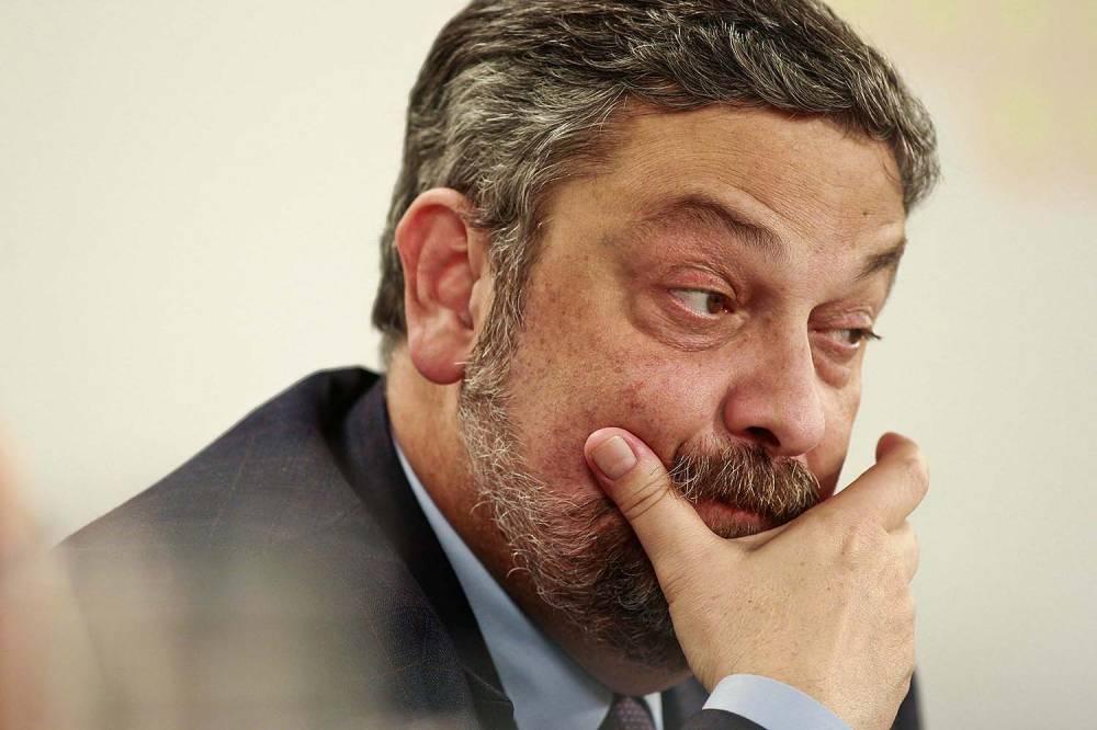 O maior medo de Antonio Palocci https://t.co/l56eX9NSMz