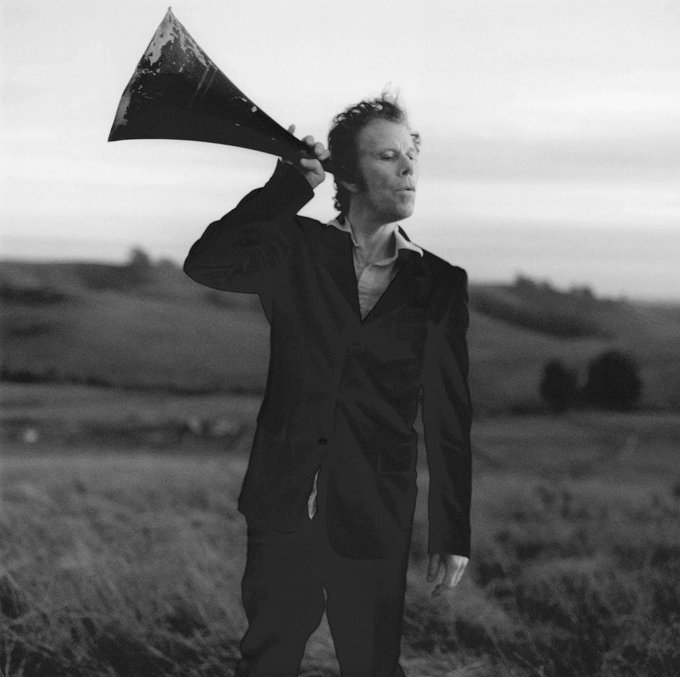 Happy Birthday Tom Waits. One of my favourite musicians ever, even if some of his fans are insufferable