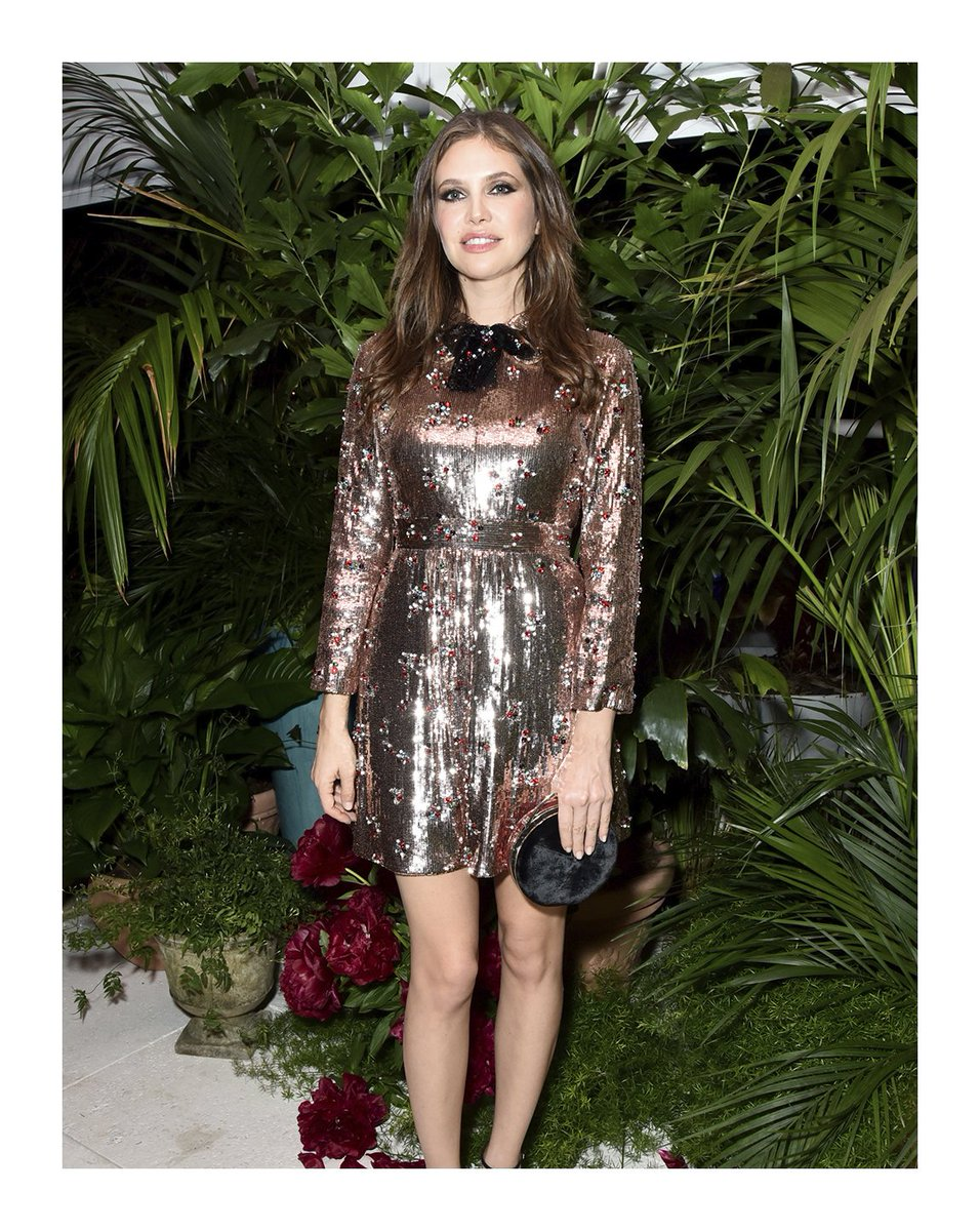 748ae674d ... dress by #AlessandroMichele to the #Artsy and #Gucci dinner she co-hosted  during the @artbasel art fair in Miami Beach.pic.twitter.com/CK2FRtaJ0J