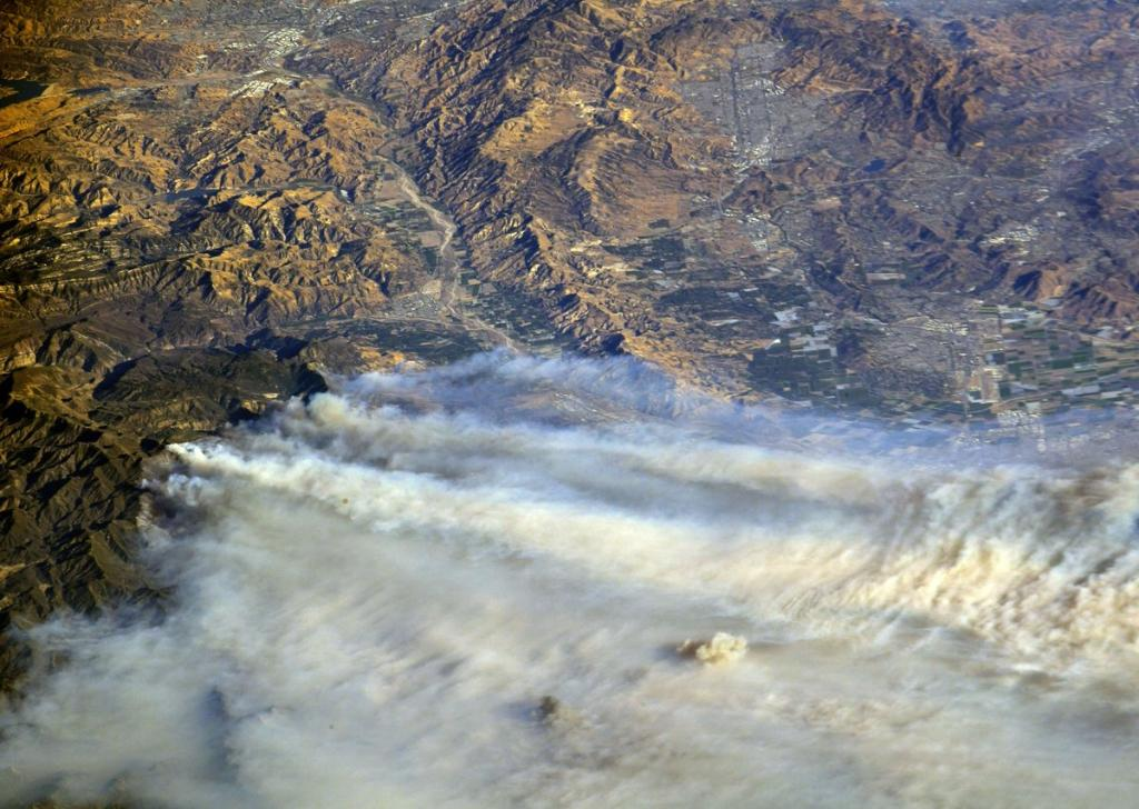 Data & imagery of the California wildfires from our satellites, people in space and aircraft, not only give us a better view of the activity, but also help 1st responders plan their course of action. Get the details: https://t.co/BN9dmPiXep