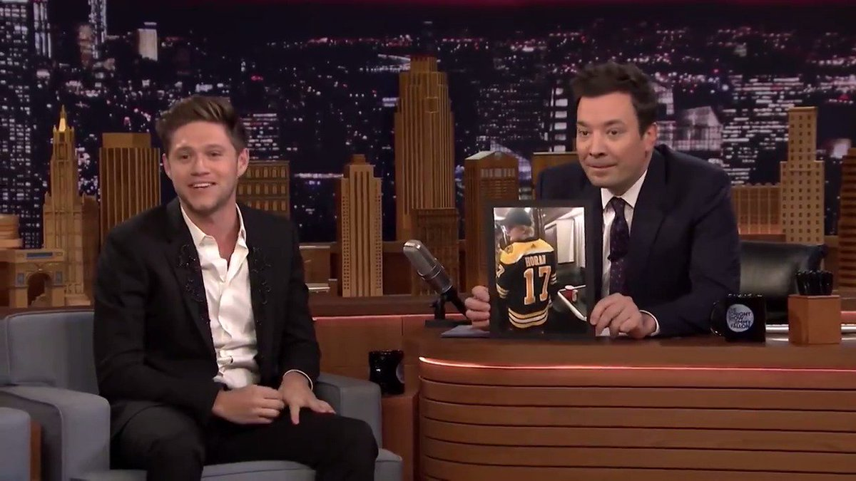 .@NiallOfficial reveals how @EdSheeran ended up in his Hockey Jersey on a Tour Bus