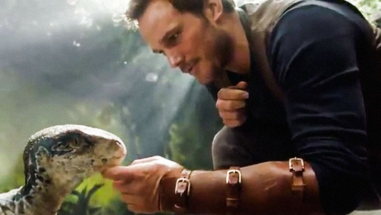 Watch the first #JurassicWorldFallenKingdom trailer https://t.co/dYK63PO0Gs
