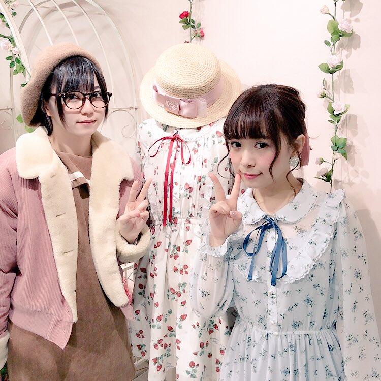 エビ中の安本彩花ちゃんが 来てくれました✨ #ハニーシナモン展示会