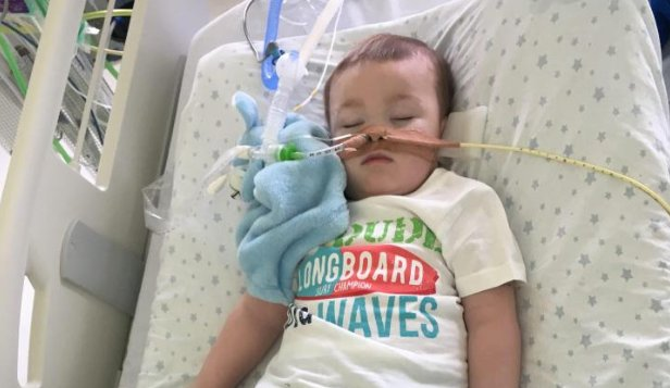 Parents of boy who may have the same condition as Charlie Gard battle for medics not to switch off his life support https://t.co/f4FuFKXGob