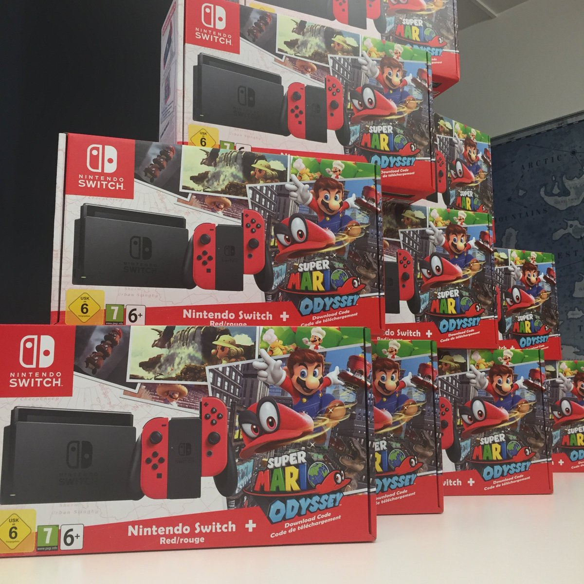 small giant on twitter christmas came early to the office and santa brought gifts for the whole team psstwe are also hiring httpstco1fjhttodvl