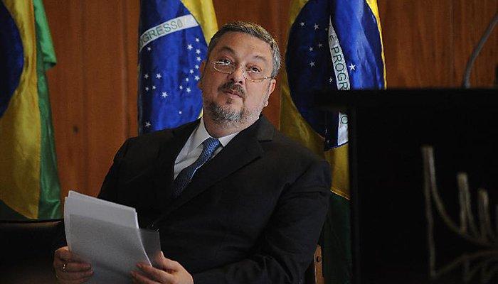 Após atacar Lula, Palocci tem delação travada pela Lava Jato. Em benefício de quem? https://t.co/FxBiU27ZcU