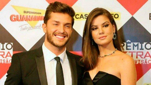 Camila Queiroz será mulher de Klebber Toledo no filme 'Goleiro' https://t.co/7aK0OIFNqM