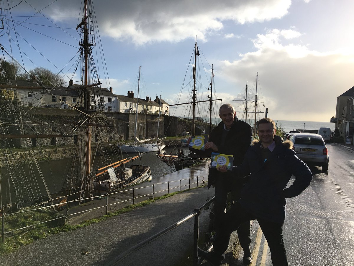 The St Austell #TownTakeover visits the businesses in picturesque Charlestown just as the sun comes out! <br>http://pic.twitter.com/5WkpJYMJs5