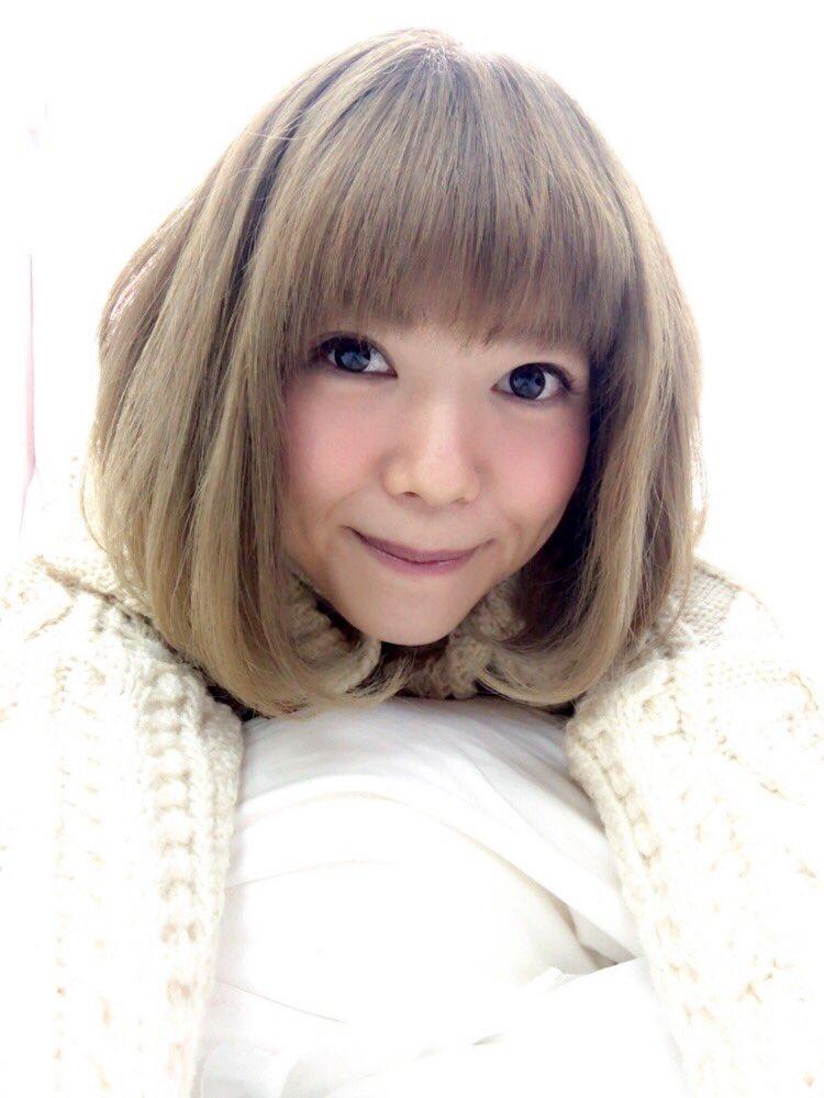 髪色が明るい松嵜麗