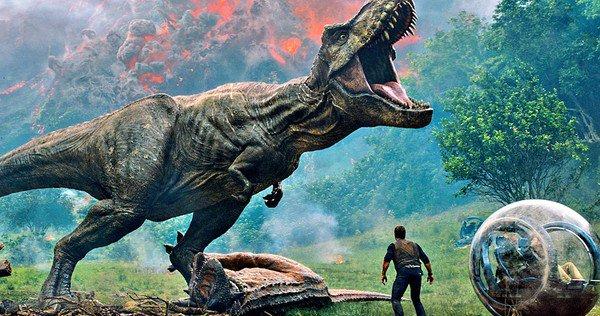 Watch the heart-pounding first trailer for #JurassicWorldFallenKingdom https://t.co/3XhZpCf59j