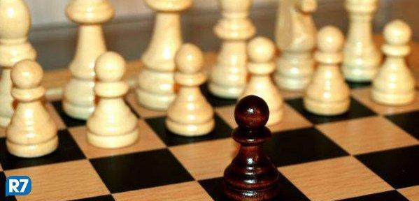 Inteligência artificial agora se tornou imbatível em xadrez https://t.co/NPnCm5itQy