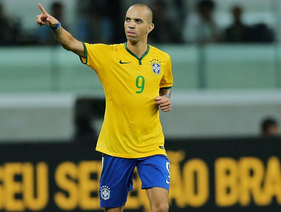 Fabio Azevedo  Tardelli renovou na China para pode ser liberado para o   Flamengo ↪ ec4e3fd29285e
