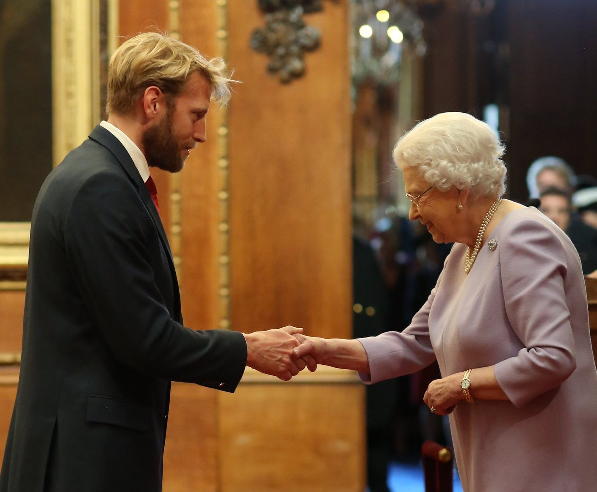 Today The Queen hosted an Investiture Ceremony at Windsor Castle. Among todays recipients was triple Olympic Gold Medallist @andrewthodge who received an #OBE for services to rowing. 📸 PA