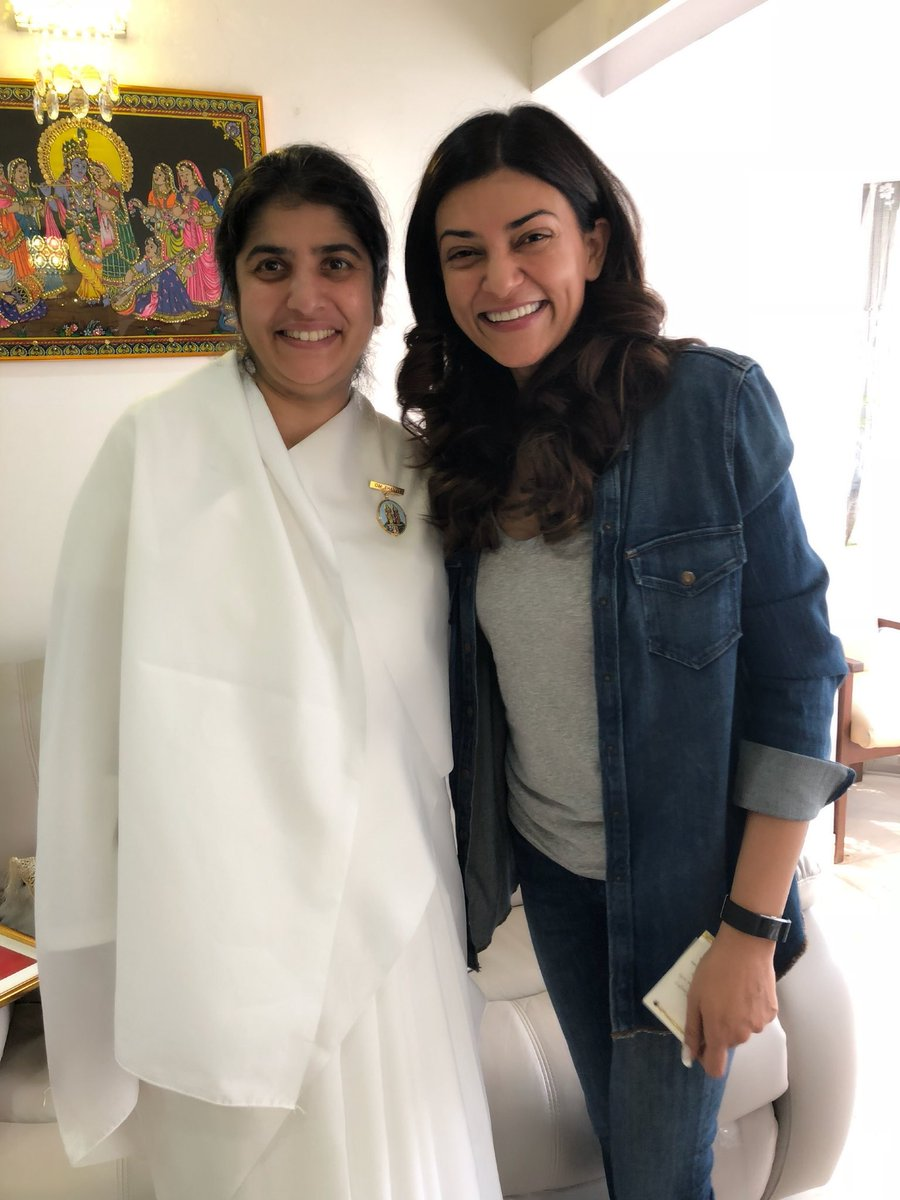 """True nature of happiness lies in the being & not in the doing"" Sister Shivani 😇❤️ She is Love & a deeply empowered soul!!! A life affirming meeting!!!🙏😊❤️ #beautiful #cherished #gratitude ❤️😊 https://t.co/PJWU2YyBP7"