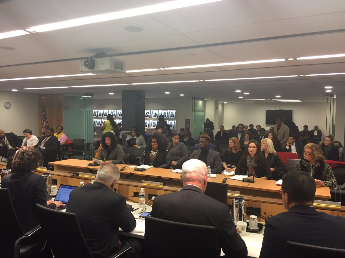 .@USCCRgov now hearing comments from the public on School-to-Prison Pipeline: Intersections of Students of Color with Disabilities #SchoolDiscipline #intersectionality <br>http://pic.twitter.com/1G9eOfuqLP