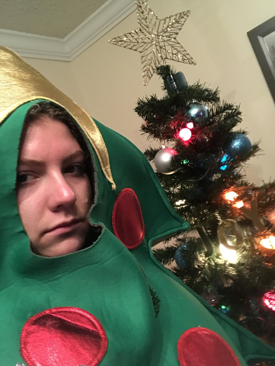 Student commits to dressing as Christmas tree for rest of semester