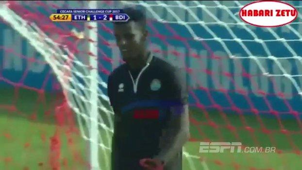 Goleiro da Etiópia comete falha incrível e seleção é goleada por Burundi; veja o lance https://t.co/4B53b2wBjT