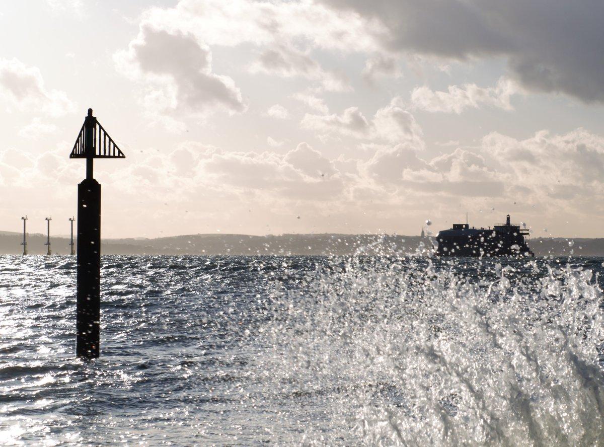 RT @portseaisland: #StormCaroline hits #Southsea #PortseaIsland https://t.co/bVtYLR1IFb