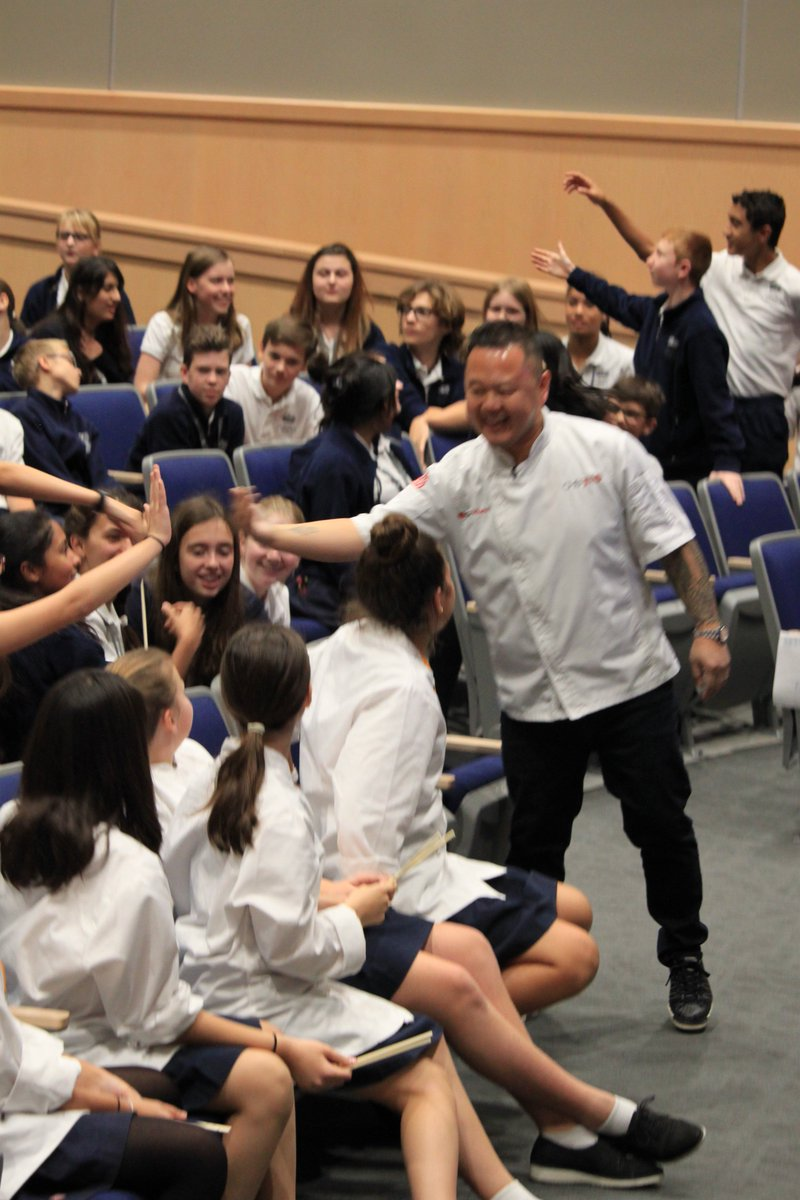 Celebrity Chef Jet teaching us how to make perfect Pineapple Fried Rice and our students got to win signed copies of #101AsianDishes and aprons! Awesome afternoon! @BISHouston @flikisdining @jettila @NAEducation #NAEGC<br>http://pic.twitter.com/gHDDUCFr5m
