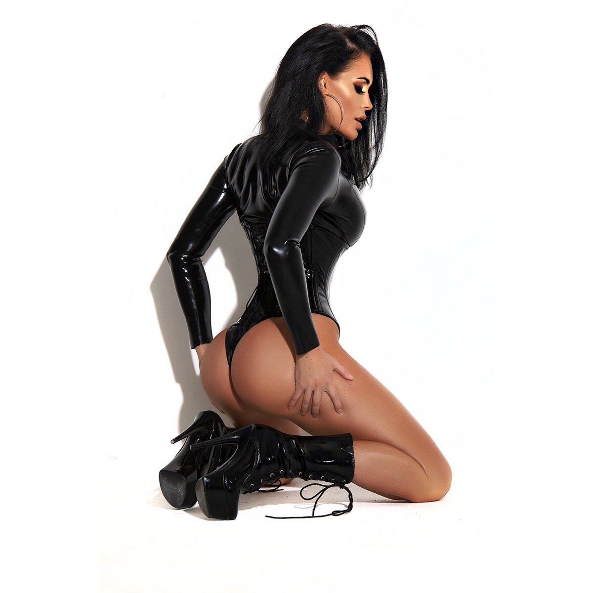 Emma Green  - Obsessed wit twitter @emmagreenmodel friday,latex
