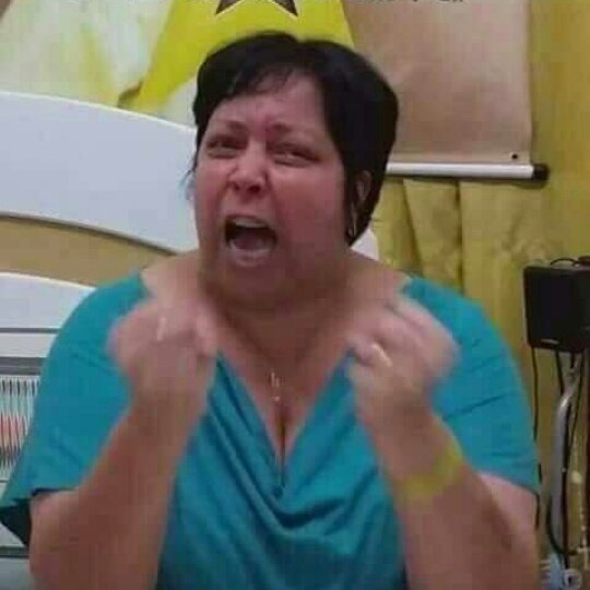 So falta a Lauren aparecer no jingle com...