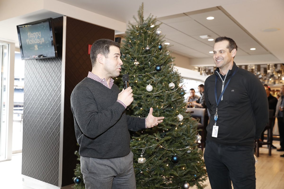 new york yankees on twitter aaronboone stopped by the yankees front office holiday party today to bring some cheer to the staff