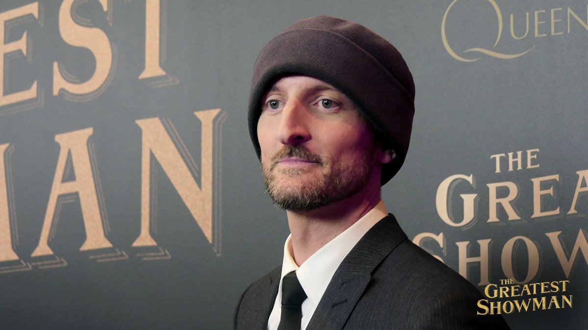 RT @GreatestShowman: Director Michael Gracey is in New York to debut The #GreatestShowman🎩! https://t.co/Ha6sZzZUXO