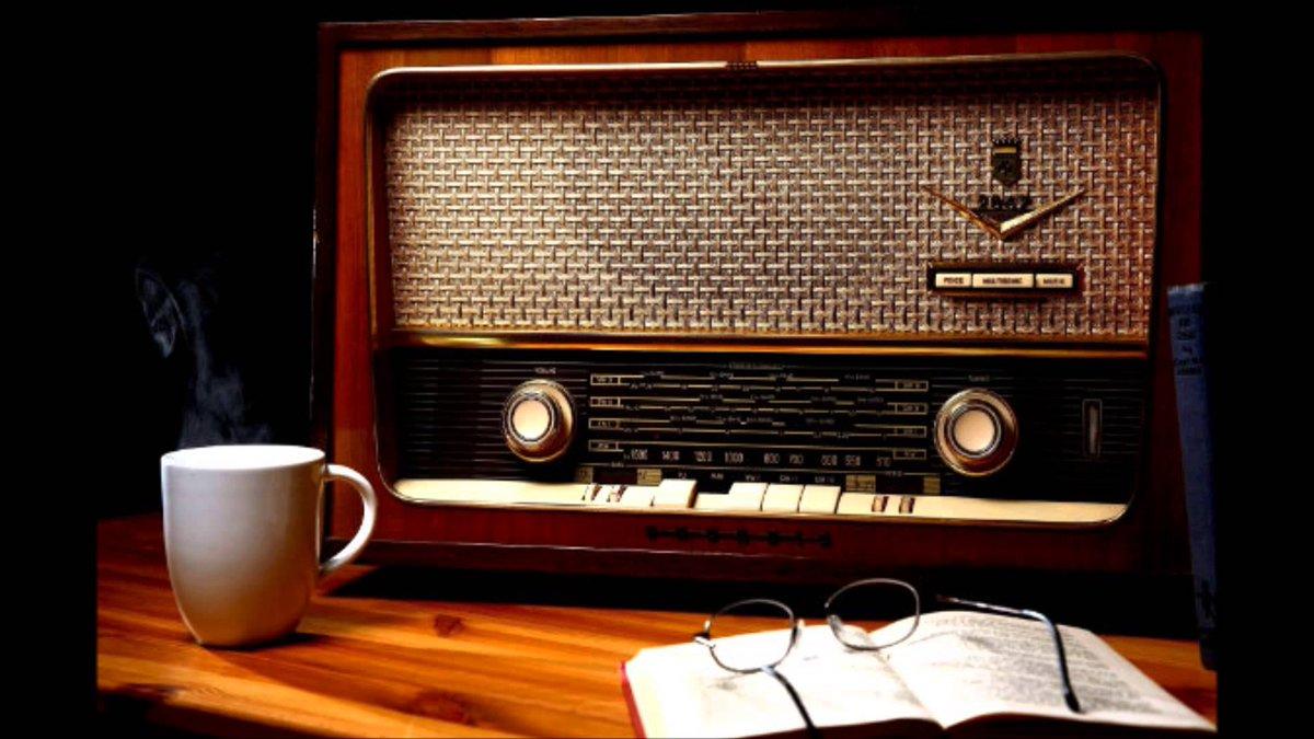 En este momento radio cine presenta 'Loc...