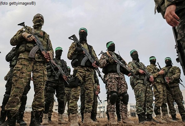 #UltimOra #Gaza, due membri di #Hamas uccisi in raid israeliani #Canale50 https://t.co/0kxapzvQk0