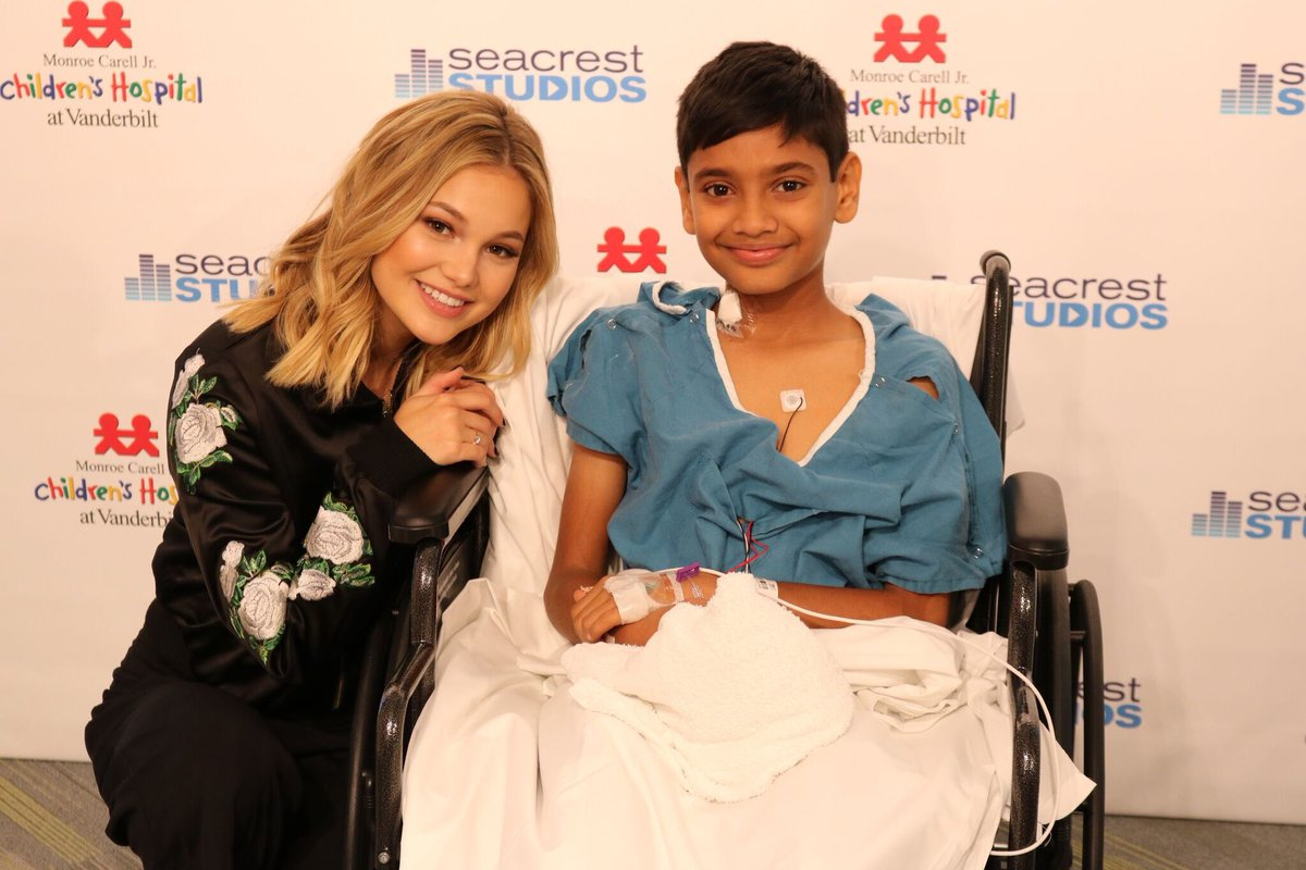 "Fotos De Olivia Holt olivia holt a twitter: ""love meeting these strong kids"