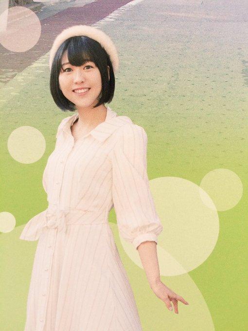 洋服が素敵な安野希世乃さん