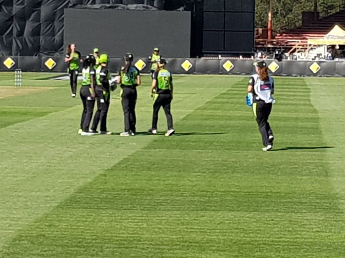 Wicket! @ThunderWBBL strike an important...