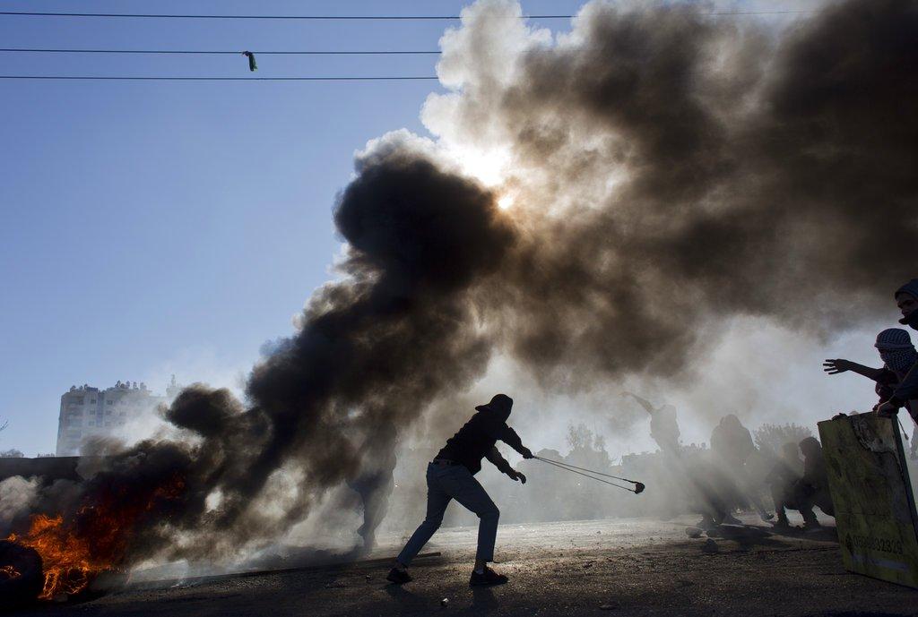 Gerusalemme, Palestinesi in rivolta, 2 morti e 750 feriti. Hamas: Intifada prosegue. Appello di Trump a calma e moderazione. All'Onu condanna della decisione del presidente Usa su Gerusalemme, anche da parte dell'Italia →https://t.co/HYemlW8ctY