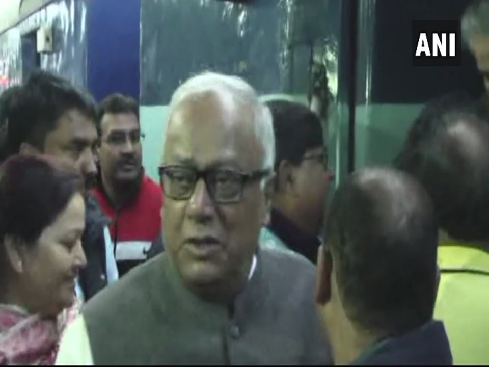 West Bengal: TMC leaders, including Saugata Roy, arrive in Malda to meet the family of man who was burnt alive in Rajasthan's #Rajsamand. State Minister Firhad Hakim says, 'the family does not need to lodge a case, state govt will do whatever is needed.'