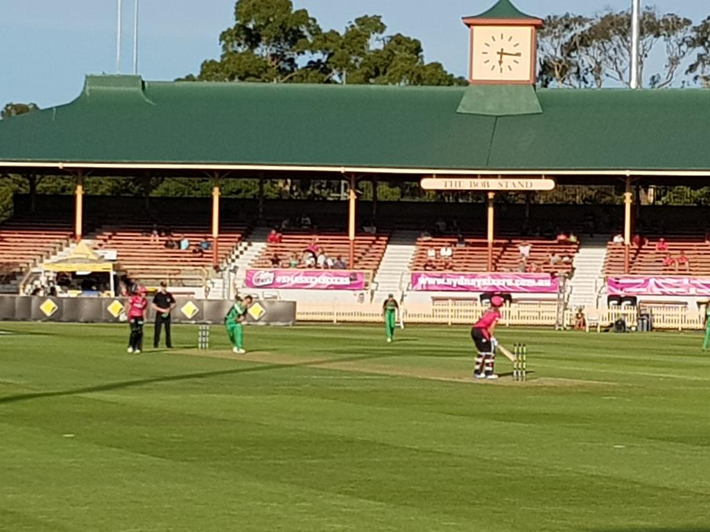 Second game of #WBBL03 double-header - S...