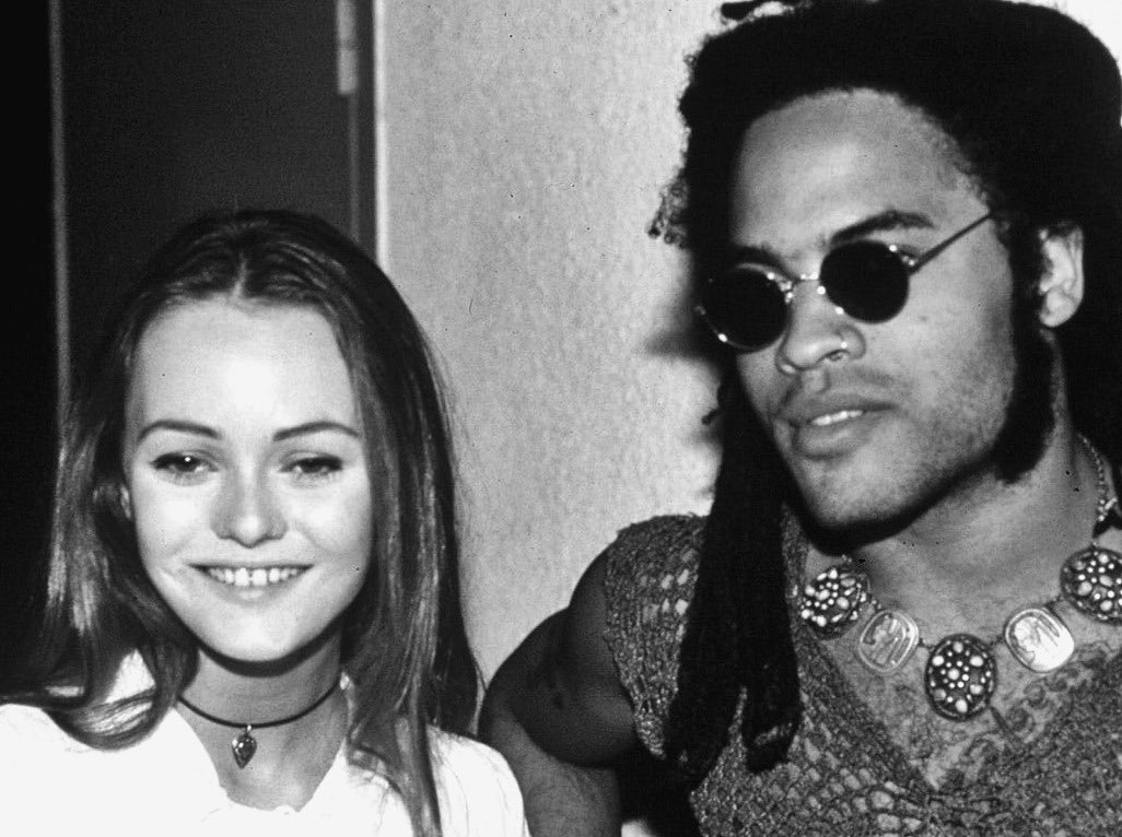 Vanessa Paradis and Lenny Kravitz in the 90s #vanessa paradis#lenny kravitz#90s#1990s#queen<br>http://pic.twitter.com/D1cku9341R