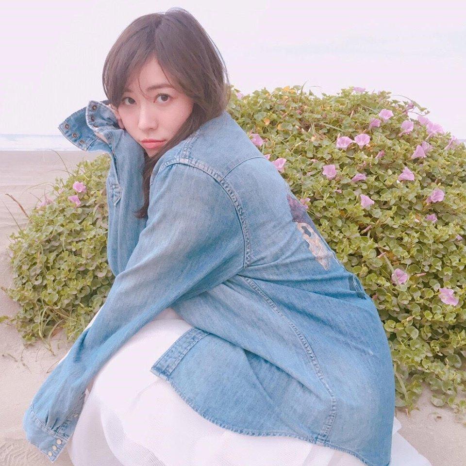 松井珠理奈さんの肩