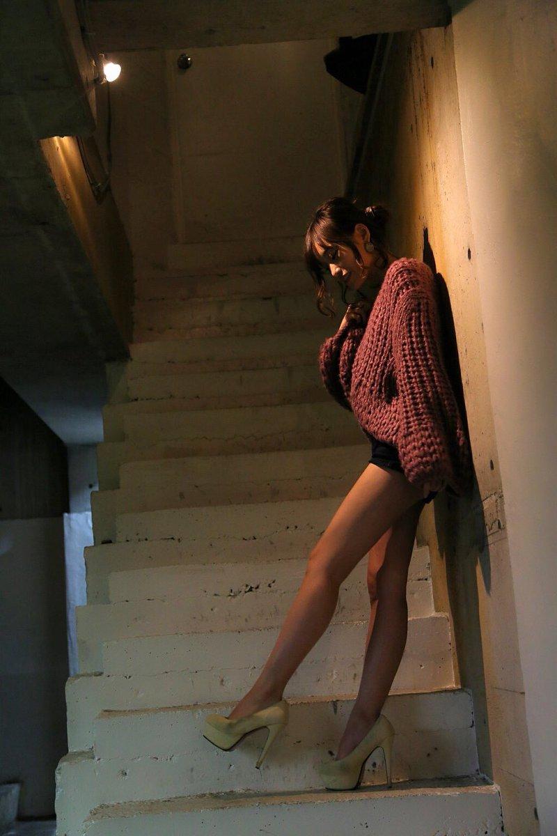 引地裕美の美脚がセクシー画像