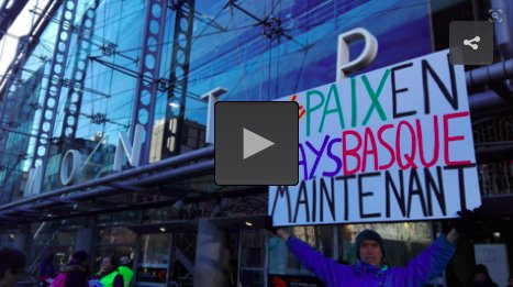 Suivez la manifestation des Artisans de la paix, en vidéo et en direct, par ici =>  http:// mediabask.naiz.eus/fr/info_mbsk/2 0171209/la-manifestation-de-paris-en-direct  …  #PaixenPaysBasque #Paris9Decpic.twitter.com/Ylvzli0wYu